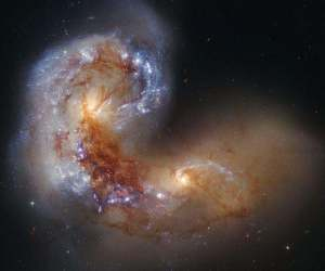 Yet another look at the Antennae galaxies (Credit: NASA, ESA/Hubble Heritage Team)