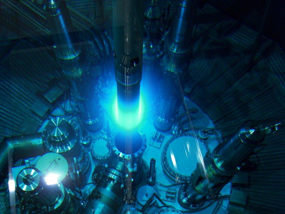 Cherenkov Neutron Radiation Reactor (Credit: Jürgen Neuhaus, FRM II)