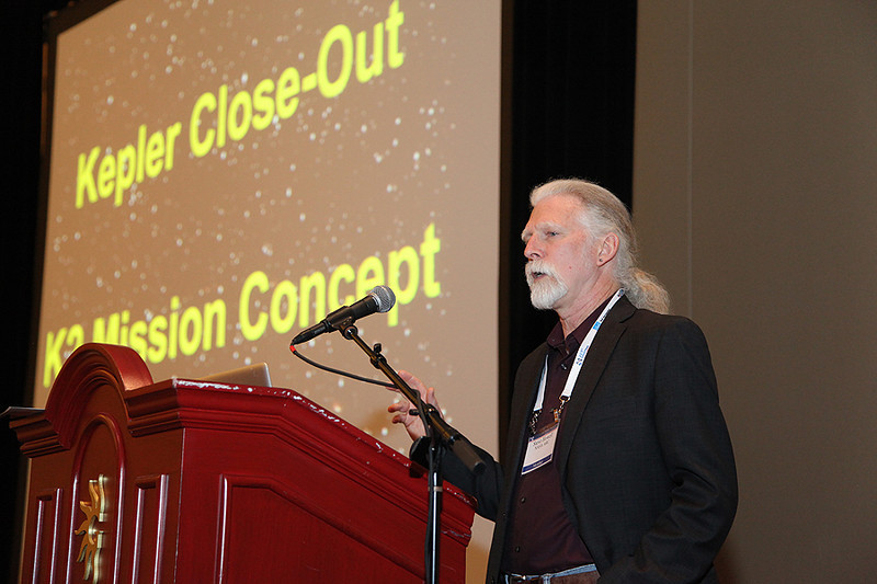 "Steve Howell describes options for the ""K2"" mission at the conference in January 2014."