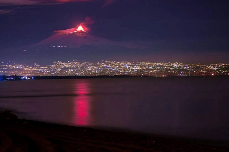 "Mount Etna erupts on Thursday morning. (""Nico di Messina"" via Twitter)"