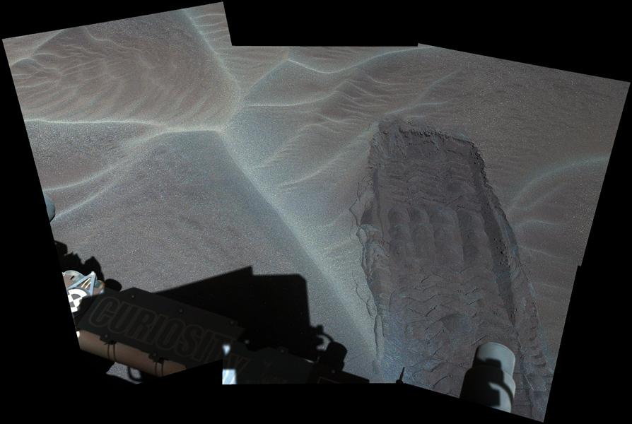 Martian sand dune. Credit: NASA/JPL