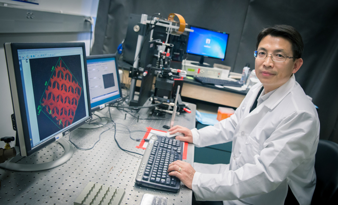 Dr. Shaochen Chen at his lab. Credit: 3dprint