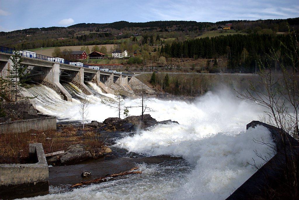 Hunderfossen Dam, Norway. Credit: Sigurd R / Flickr