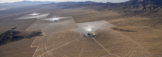 The Ivanpah Solar Electric Generating System (ISEGS) in California's Mojave Desert. Credit: BrightSource Energy