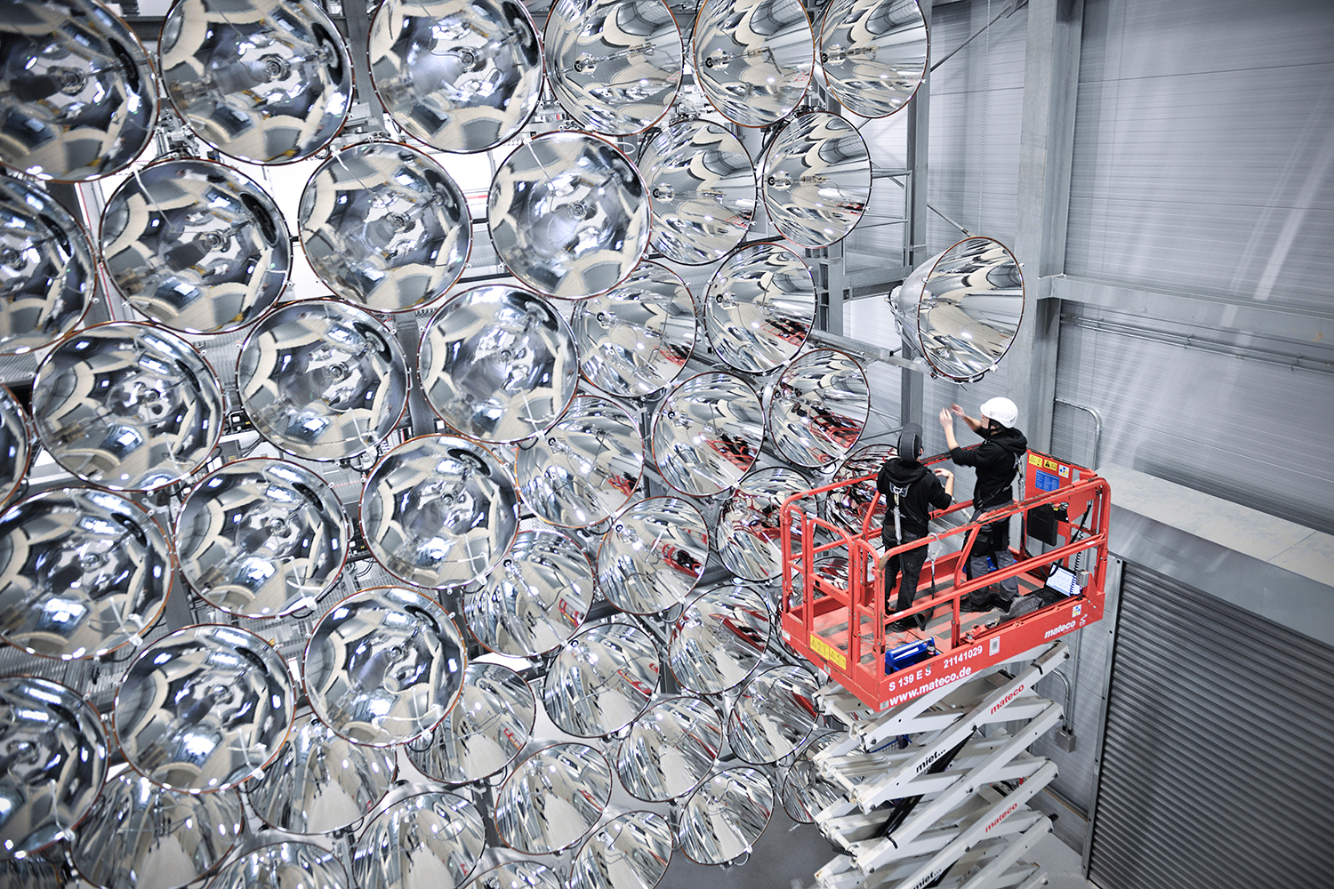 """*4* An """"Artificial Sun"""" is Powering Up in Germany"""