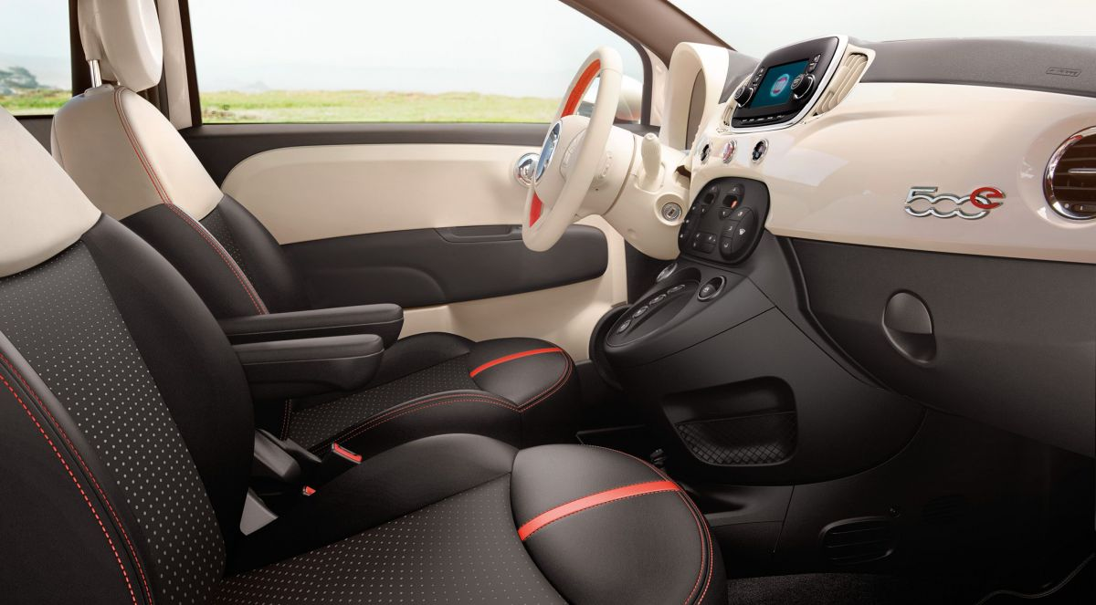Interior of the 2017 Fiat 500e. Image Credit: Fiat.