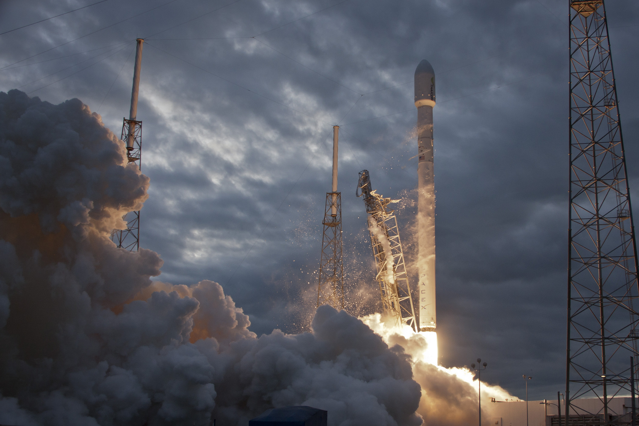 Musk's Falcon 9 Launches the First of 11,925 SpaceX Internet