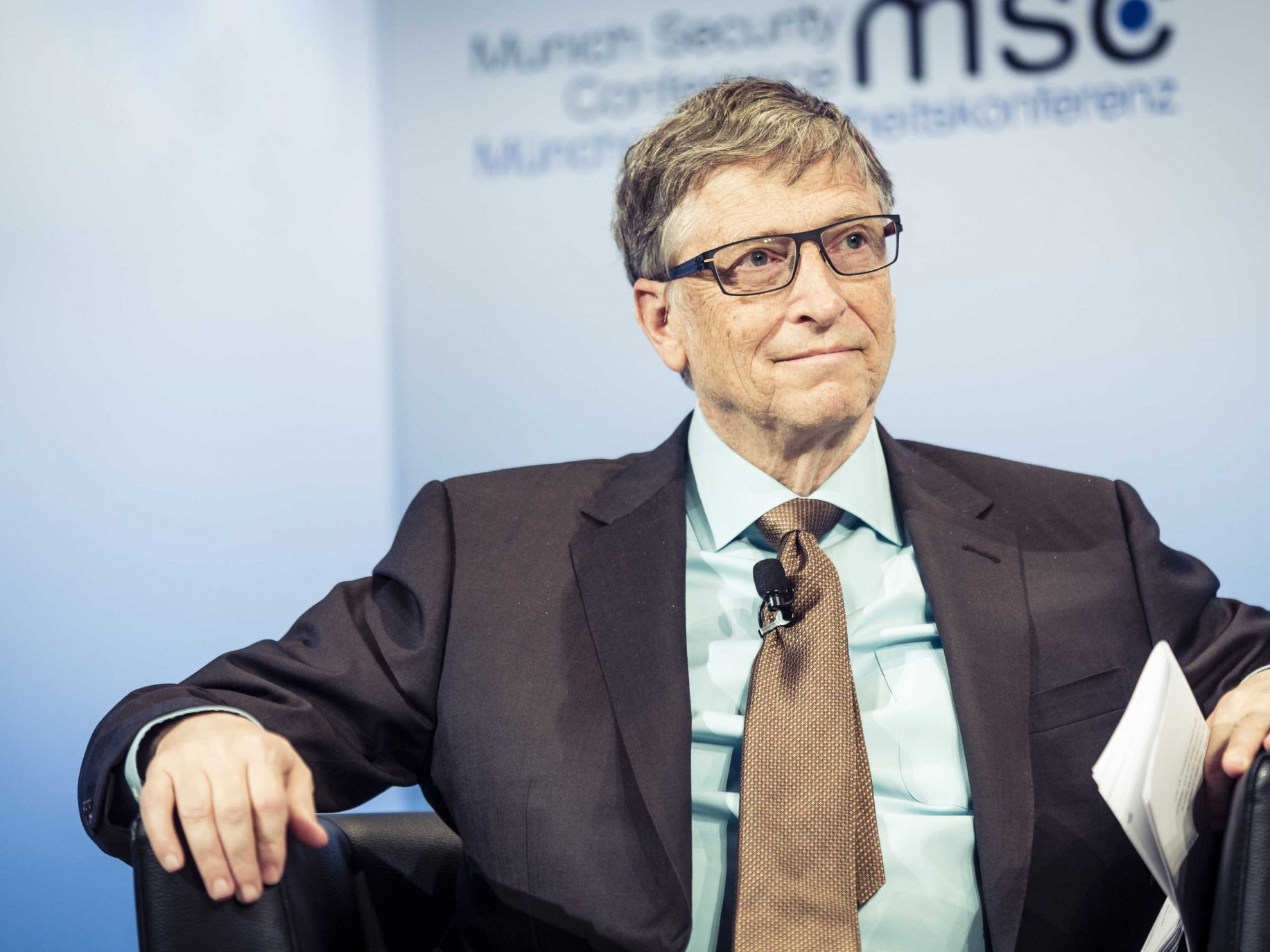 bill gates warns sillicon valley of technology s dangerous potential