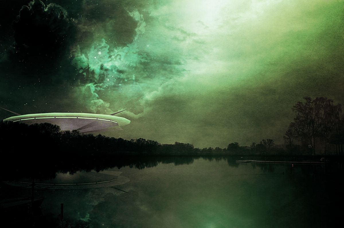 Why This Poisonous Gas Could Be a Sign of Alien Life