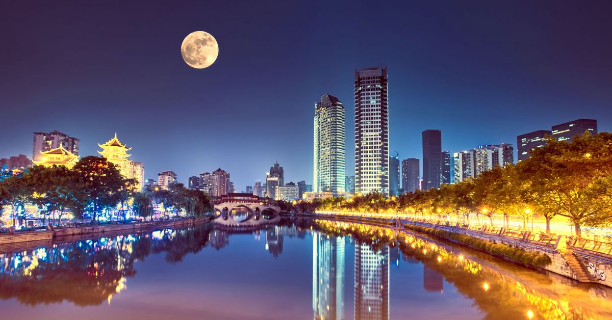 A Chinese City Plans to Replace Its Streetlights With an
