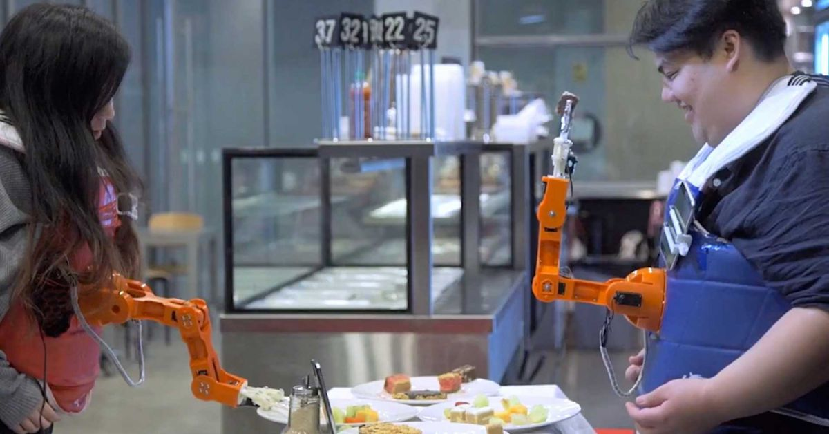 A Wearable Robot Arm Makes You Work for Thanksgiving Leftovers