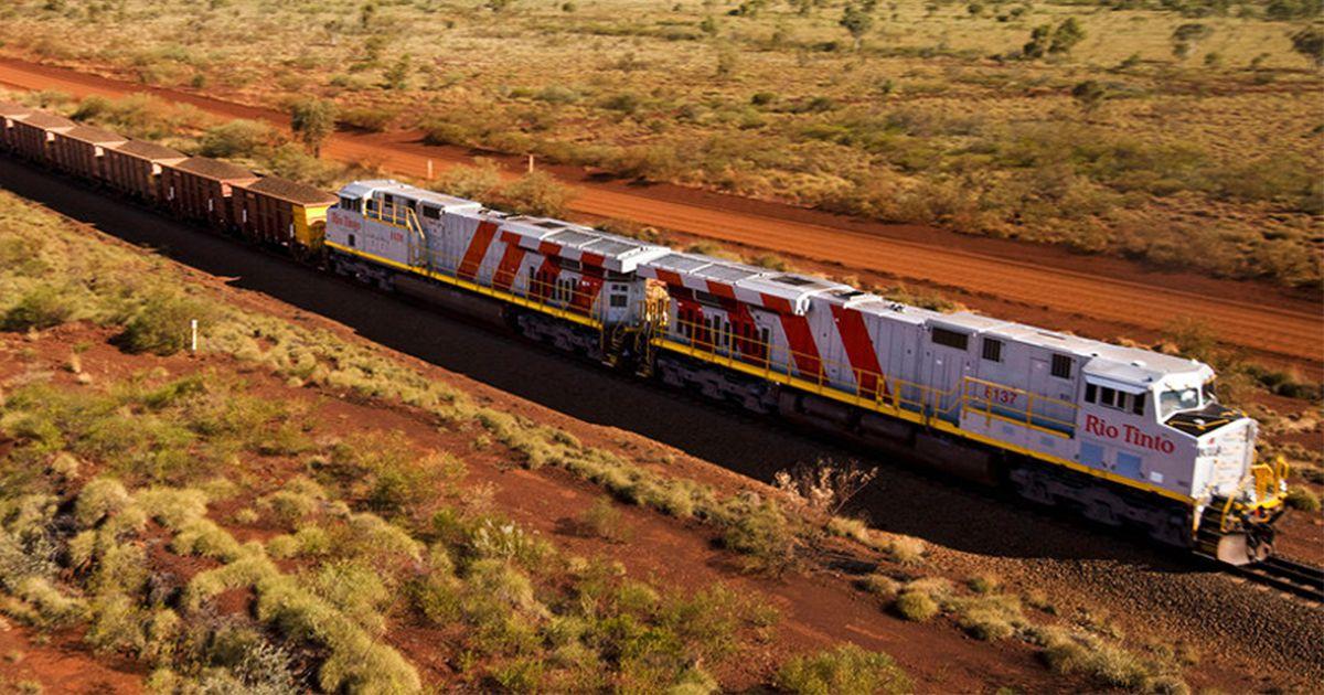 """Australian Autonomous Train Is The """"World's Largest Robot"""""""