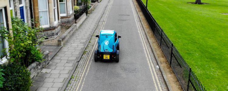 futurism.com - Victor Tangermann - An autonomous car learned how to drive IRL inside a simulation