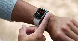 The Apple Watch EKG could flag a potentially-dangerous heart condition. But it's more likely to waste everyone's time, doctors argue.