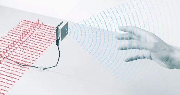 """FCC clears Google to pursue """"Minority Report""""-like gesture system"""