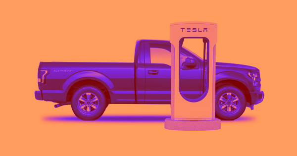 A Tesla Owner Is Fighting Back Against Aggressive Truck Drivers