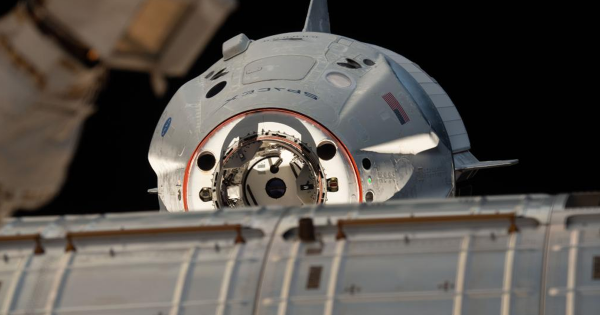 """Expert: SpaceX Just Made Russia's Space Program """"Null and Void"""""""