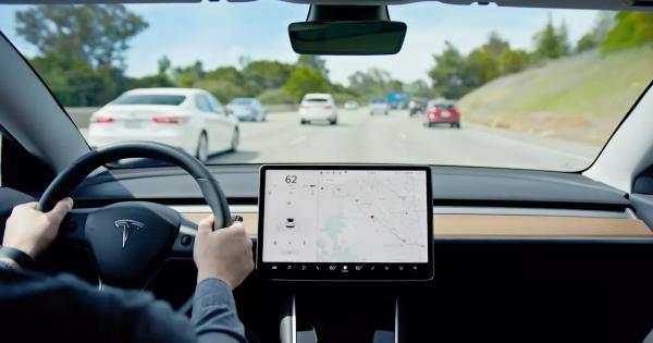 Video Shows Tesla Autopilot Steering Toward Highway Barriers