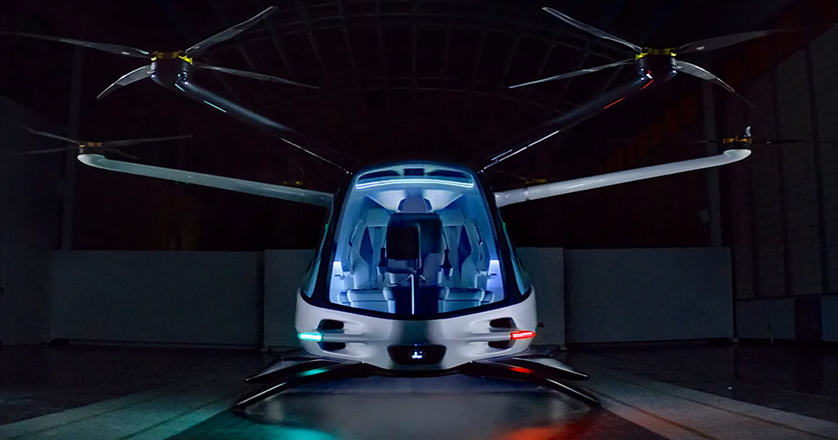 Hydrogen fuel cell flying car has a range of 400 miles