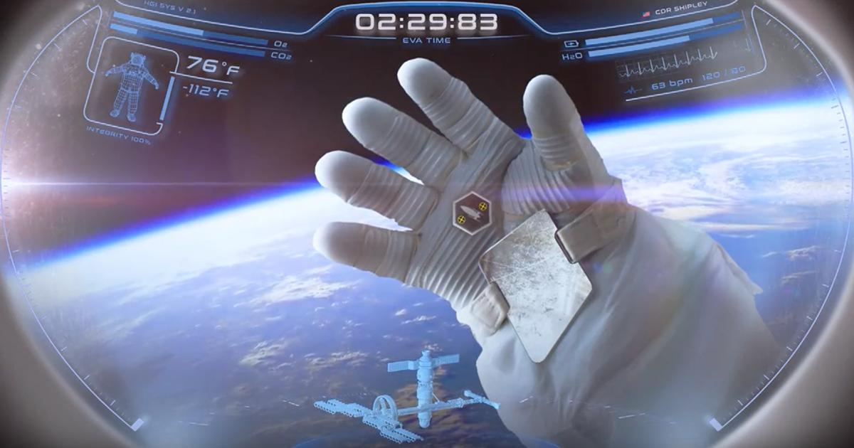 """Next-Gen Spacesuit Helmet Has an """"Iron Man"""" Heads Up Display"""