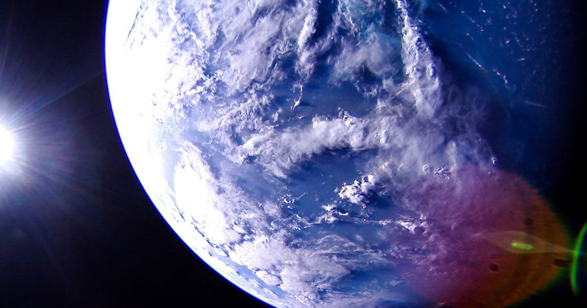 Experimental Spacecraft LightSail 2 Snaps Amazing Photos