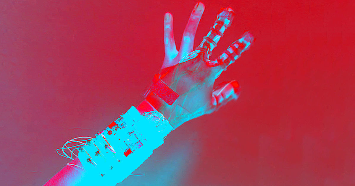 Smart glove lets you grip virtual objects