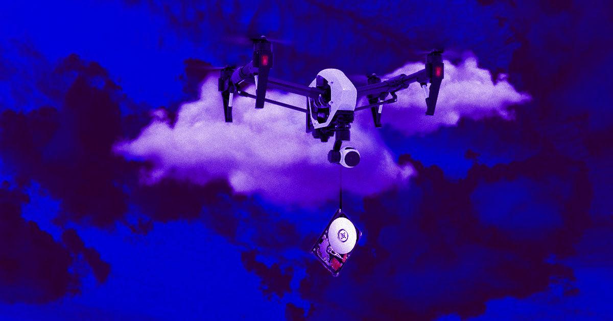 Putin Critic Uses Drone to Save Hard Drives Before Police Raid