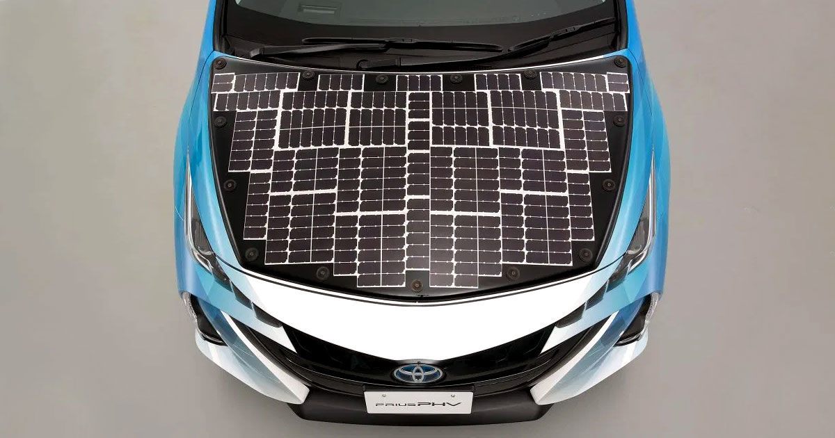 Toyota Wants to Slather Solar Panels All Over Its Prius Hybrid