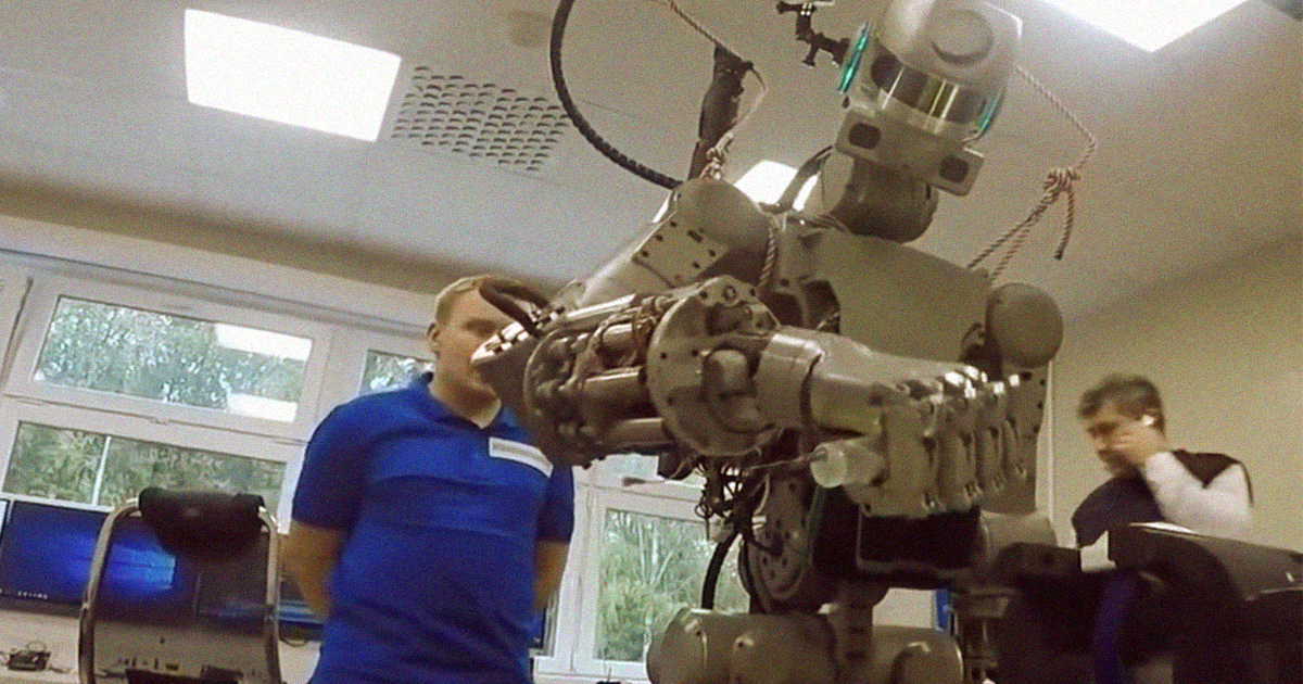 Russia's Working on a Lunar Rover With a Humanoid Torso