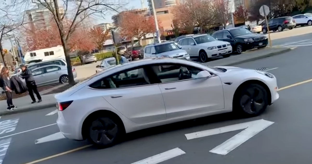 Driverless Tesla Found Driving in Wrong Lane in a Parking Lot