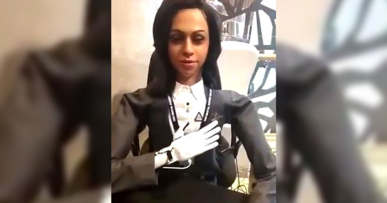 India Wants to Send This Legless Humanoid Robot Into Space