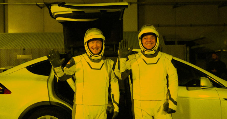 SpaceX Says It'll Drive Astronauts to Launchpad in Tesla Model X