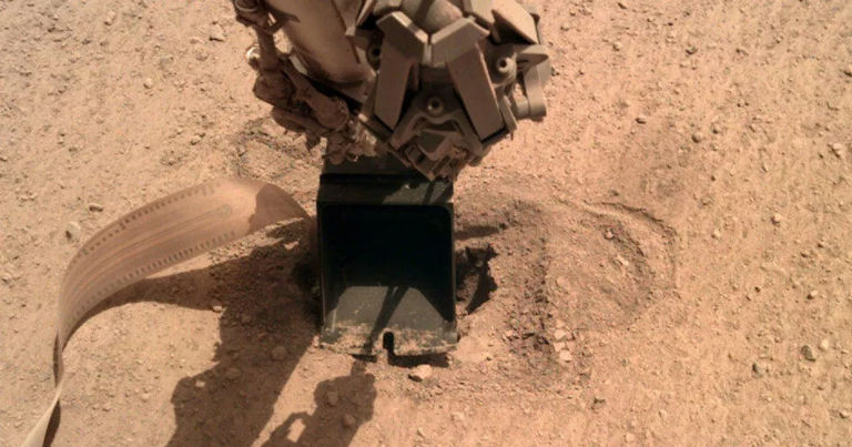 NASA InSight lander finally manages to bury its probe into Mars