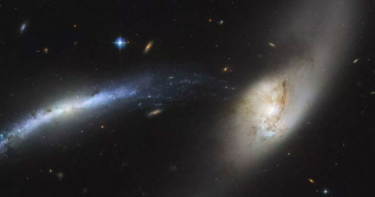 Hubble Telescope Sees a Cosmic