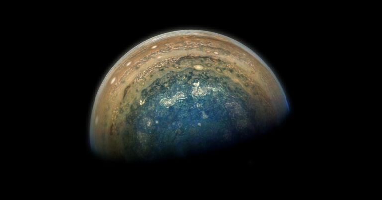 NASA detects bright flashes of light on Jupiter