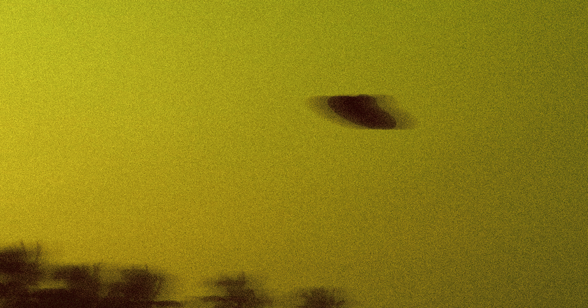 Former US Director of National Intelligence Says He's Seriously Puzzled by UFOs