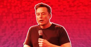 In a planet-scale swing, SpaceX CEO Elon Musk berated ULA CEO Tony Bruno on Twitter this morning — not even a full 24 hours after joking around with him.