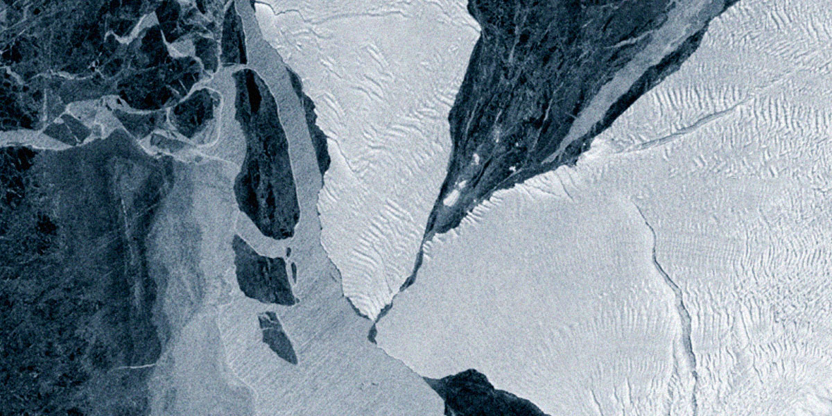 Watch a Floating, 500 Square Mile Iceberg Nearly Crash Into Antarctica