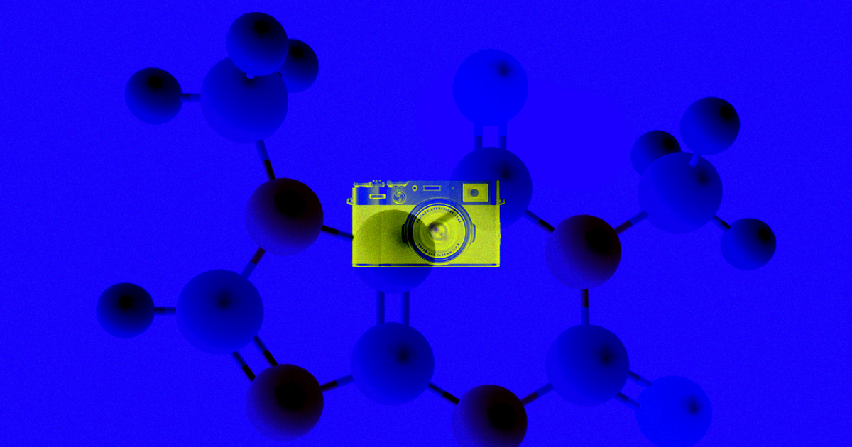 """Scientists Build Molecule-Sized """"Camera"""" To Watch Chemical Reactions in Real-Time"""