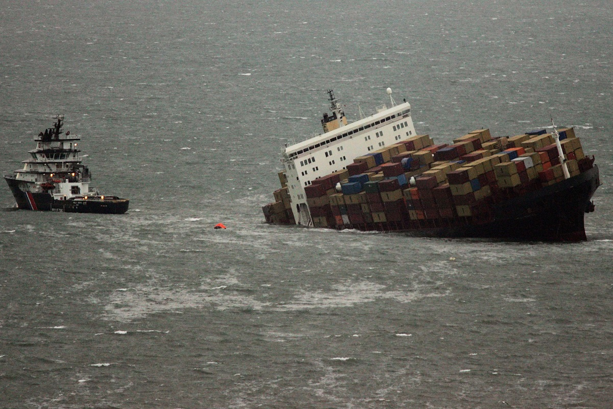 """Shipping Containers of """"Spontaneous Combustibles"""" Fall Overboard"""
